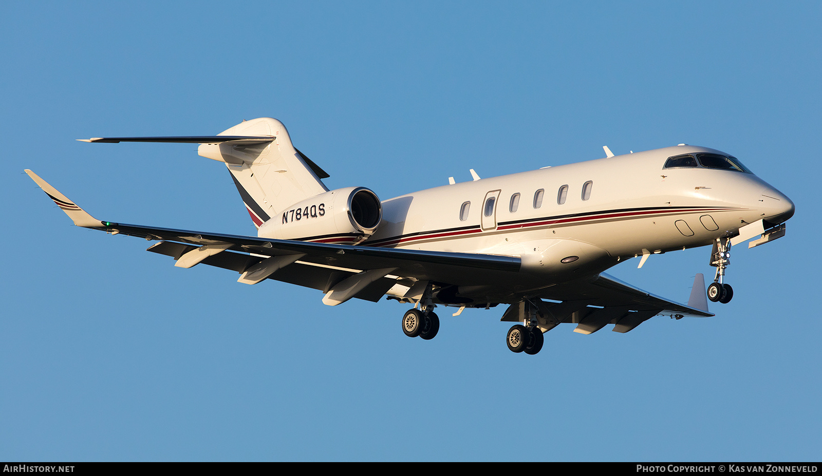 Aircraft Photo of N784QS | Bombardier Challenger 350 (BD-100-1A10) | AirHistory.net #268206