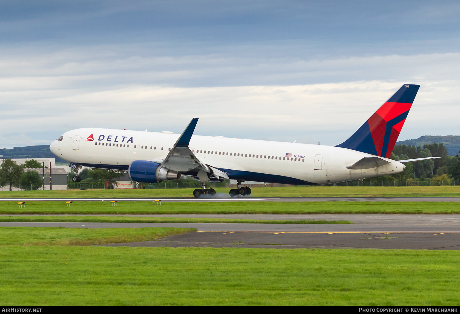 Aircraft Photo of N174DZ | Boeing 767-332/ER | Delta Air Lines | AirHistory.net #273177