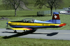 Aircraft photo of HB-HOO - Pilatus PC-7, taken by Joop de Groot at Buochs (LSMU / LSZC) in Switzerland in May 1993. This aircraft was ferried to the US in January 2000. There it crashed on delivery.