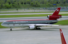 Aircraft photo of N211NW - McDonnell Douglas DC-10-30 - Northwest Airlines, taken by Pertti Sipilä at Minneapolis / Saint Paul - International / Wold-Chamberlain Field (KMSP / MSP) in Minnesota, United States on 29 April 2004.