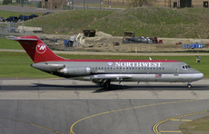 Aircraft photo of N8911E - McDonnell Douglas DC-9-14 - Northwest Airlines, taken by Pertti Sipilä at Minneapolis / Saint Paul - International / Wold-Chamberlain Field (KMSP / MSP) in Minnesota, United States on 28 April 2004.