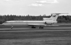 Aircraft photo of CCCP-85518 - Tupolev Tu-154B-2 - Aeroflot, taken by Pertti Sipilä at Helsinki - Vantaa (EFHK / HEL) in Finland on 30 May 1987. Later (from 9/1992) operated in Georgia as CCCP-85518, 85518 and 4L-85518 by Orbi and Georgian Airlines