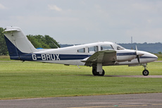 Aircraft Photo of G-BRUX | Piper PA-44-180 Seminole | AirHistory.net