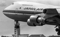 Aircraft Photo of JA8120 | Boeing 747SR-46 | Japan Air Lines - JAL | AirHistory.net #131045