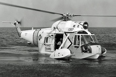 Aircraft Photo of 1357 | Sikorsky HH-52A Seaguard (S-62A) | USA - Coast Guard | AirHistory.net #141542