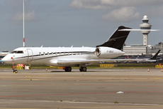 Aircraft Photo of C-GGLO | Bombardier Global 5000 (BD-700-1A11) | Skyservice Business Aviation | AirHistory.net