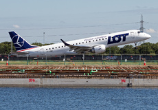 Aircraft Photo of SP-LMB | Embraer 190STD (ERJ-190-100STD) | LOT Polish Airlines - Polskie Linie Lotnicze | AirHistory.net