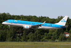 Aircraft Photo of PH-EZT | Embraer 190STD (ERJ-190-100STD) | KLM Cityhopper | AirHistory.net