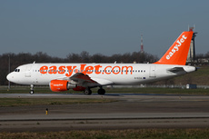 Aircraft Photo of G-EZUL | Airbus A320-214 | EasyJet | AirHistory.net #241022