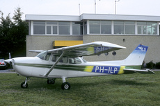 Aircraft Photo of PH-ILP | Cessna 172P Skyhawk | Internationale Luchtvaart School - ILS | AirHistory.net