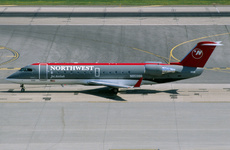 Aircraft Photo of N8598B | Bombardier CRJ-200ER (CL-600-2B19) | Northwest Jet Airlink | AirHistory.net