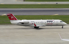 Aircraft Photo of N8888D | Bombardier CRJ-440 (CL-600-2B19) | NWA Airlink | AirHistory.net