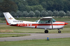 Aircraft Photo of PH-TWM | Cessna 172P Skyhawk | Vliegclub Twente | AirHistory.net