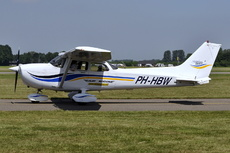 Aircraft Photo of PH-HBW | Cessna 172S Skyhawk SP | Lalmy Aviation | AirHistory.net