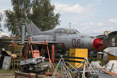 Aircraft Photo of 06 red | Mikoyan-Gurevich MiG-21US | Russia - Air Force | AirHistory.net