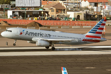 Aircraft Photo of N655AW | Airbus A320-232 | American Airlines | AirHistory.net