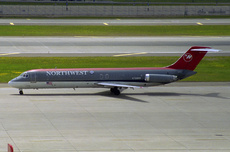Aircraft Photo of N759NW | McDonnell Douglas DC-9-41 | Northwest Airlines | AirHistory.net