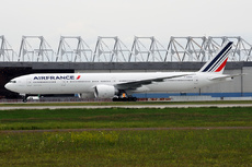 Aircraft Photo of F-GZNF | Boeing 777-328/ER | Air France | AirHistory.net