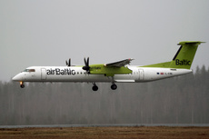 Aircraft Photo of YL-BBU | Bombardier DHC-8-402 | AirBaltic | AirHistory.net