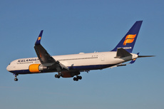 Aircraft Photo of TF-ISN | Boeing 767-319/ER | Icelandair | AirHistory.net #217286