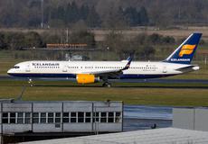 Aircraft Photo of TF-ISR | Boeing 757-256 | Icelandair | AirHistory.net #224490