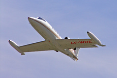 Aircraft Photo of LV-WRE | Gates Learjet 25D | AirHistory.net #235529