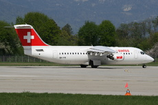 Aircraft Photo of HB-IYR | BAE Systems Avro 146-RJ100 | Swiss International Air Lines | AirHistory.net #267438