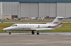 Aircraft Photo of N81AX | Gates Learjet 25D | AirHistory.net #269107