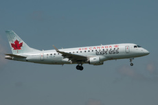 Aircraft Photo of C-FEJP | Embraer 175LR (ERJ-170-200LR) | Air Canada Express | AirHistory.net #269724