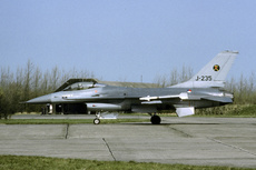 Aircraft Photo of J-235 | General Dynamics F-16A Fighting Falcon | Netherlands - Air Force | AirHistory.net #354958